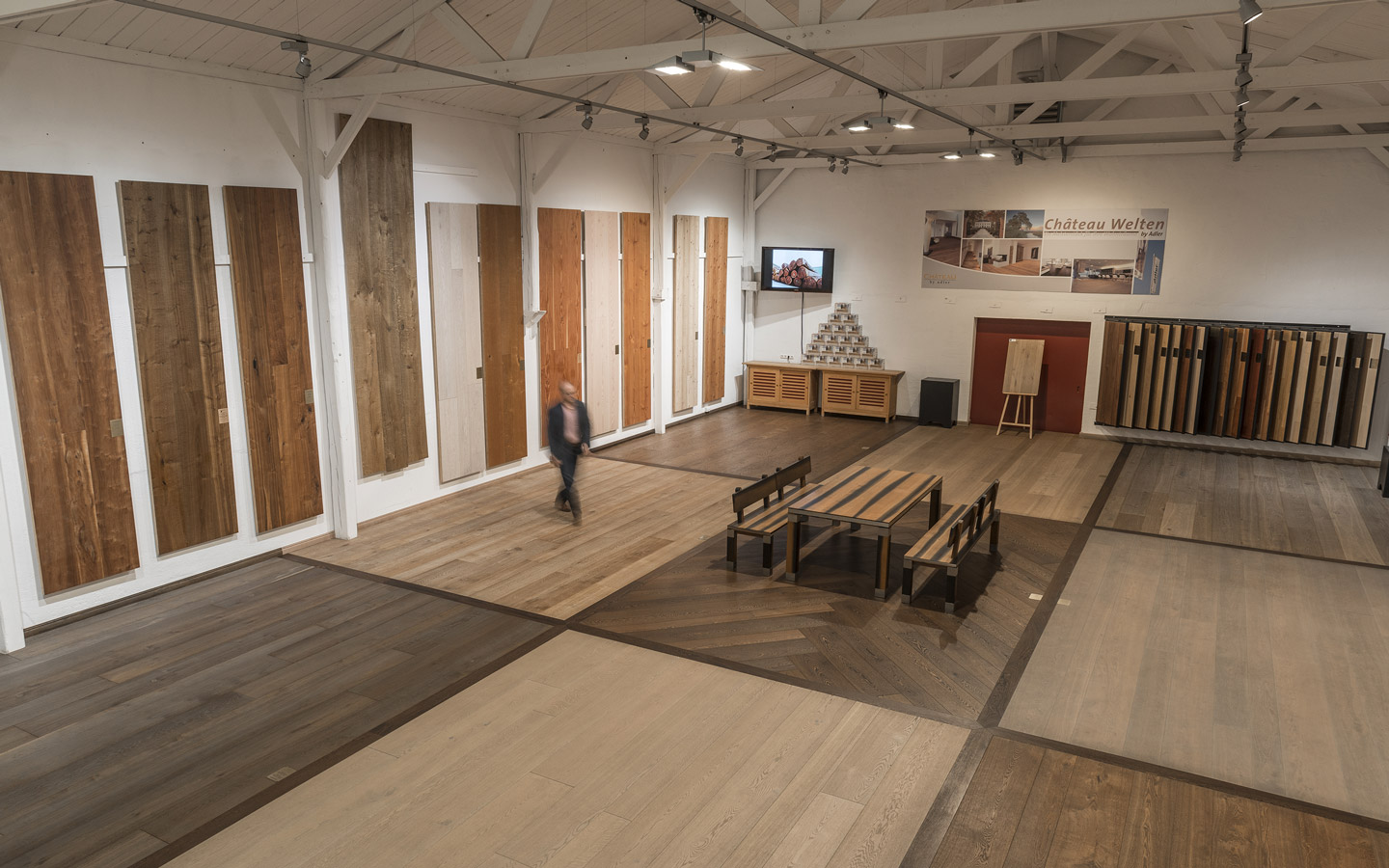 Showroom with 350 m² of parquet and planks - Adler Parkett